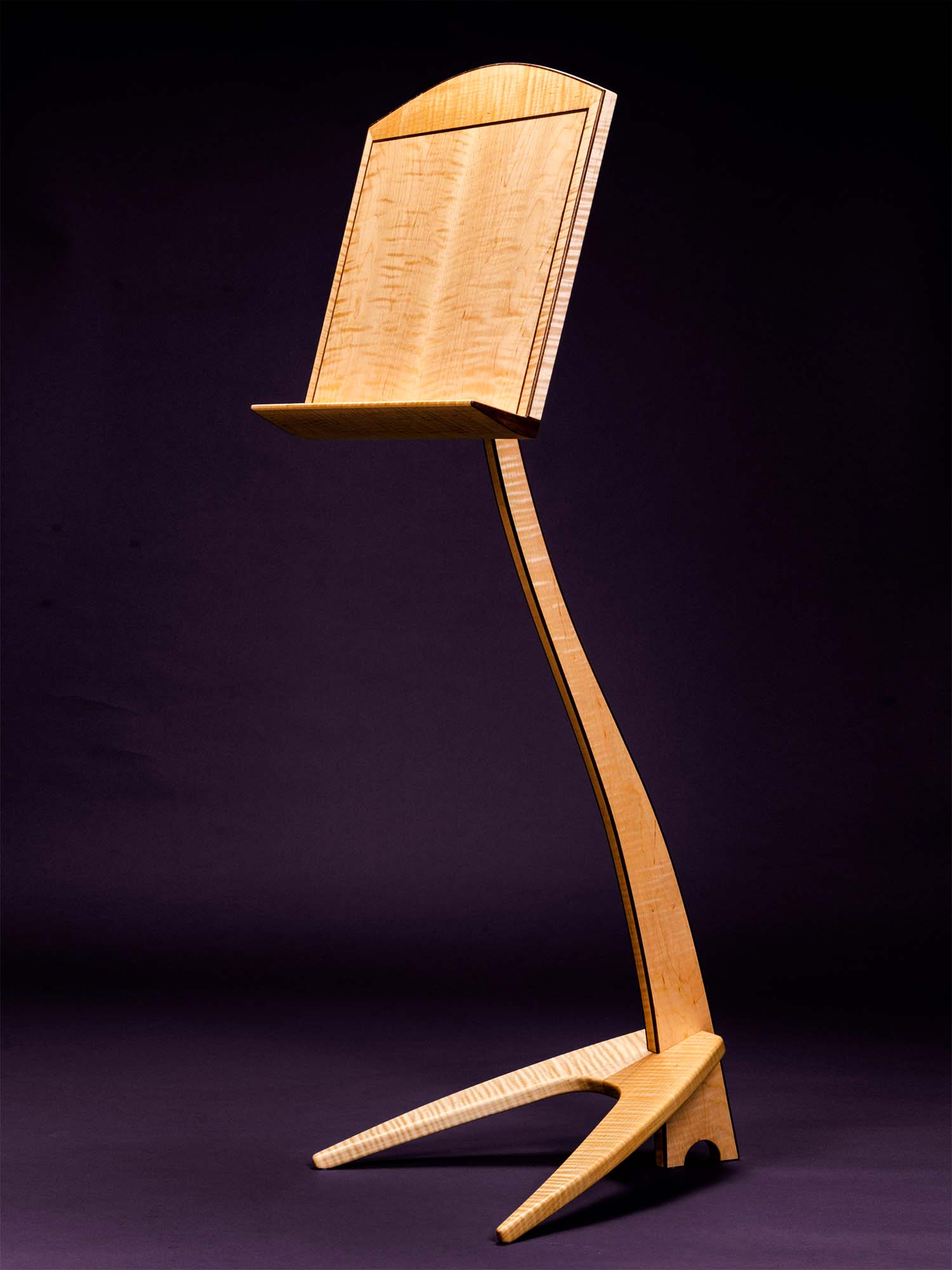 WM Music Stand in Curly Maple